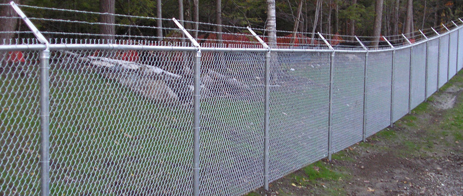 Pros and Cons of Different Fence Materials